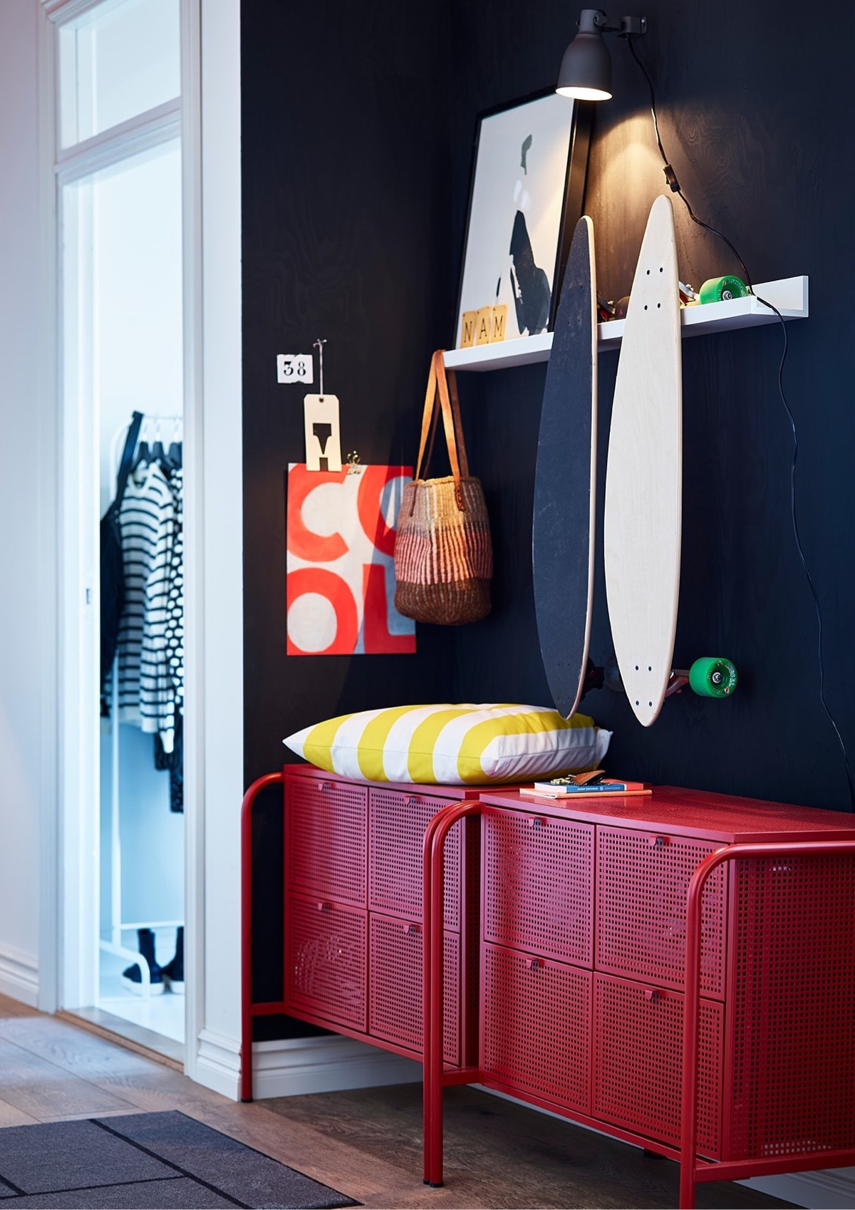 Cómoda Nikkeby de IKEA